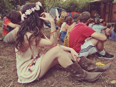 Faltering Bird: Oregon Country Fair 2012 with Durango Boots on! Fair Outfits, Rodeo Outfits, Music Festival Fashion, Festival Style, Oregon Country Fair, Durango Boots, Classic Wardrobe, Grunge Fashion, Boho Chic