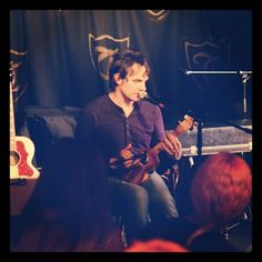 Mike Viola live at the Troubadour in London. He was fab!