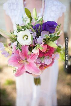 colorful wedding bouquet | VIA #WEDDINGPINS.NET