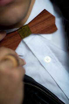 Wood bowtie, printed cotton  // www.midamorethangold.com
