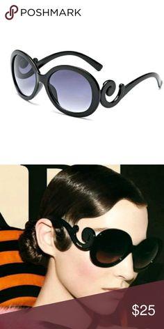 8bc0a489296 😎Oversized Vintage Sunglasses Brand New Black plastic frame Gray lens