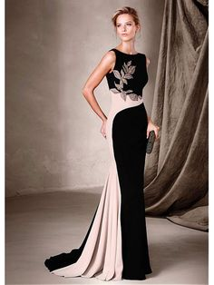 Perfect For Bridesmaids, Parties & Stylish Celebrations – The 2017 Cocktail Collection By Pronovias Pronovias Cocktailkleid-Kollektion Formal Evening Dresses, Elegant Dresses, Pretty Dresses, Evening Gowns, Prom Dresses, Evening Party, Beautiful Gowns, Beautiful Outfits, Mothers Dresses