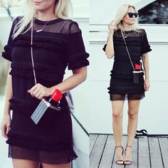 fringe dress // lipstick clutch