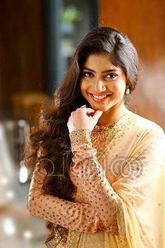 90 Best Premam Images Sai Pallavi Hd Images Indian Actresses