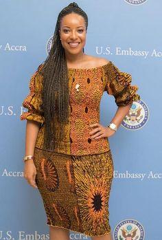 joselyn dumas in African print Modern African Print Dresses, African Wear Dresses, African Traditional Dresses, African Print Fashion, Africa Fashion, African Attire, Ankara Gown Styles, Ankara Styles For Women, Ankara Gowns