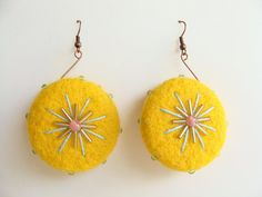 So glad I just stumbled across these beauties, I'm in love! Felted earrings by Beautifulhandicraft on Etsy, €15.00