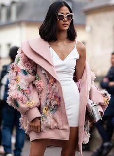 shutterstock A Recap of Truly Stunning Milan Fashion Week 2019 Street Style Cute Fashion, High Fashion, Fashion Show, Fashion Outfits, Style Feminin, Fashion Details, Fashion Design, Runway Fashion, Fashion Trends