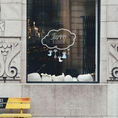 Geboorte sticker met naam voor op het raam
