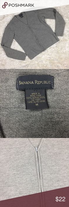 Banana Republic 100% Merino Wool Zip Cardigan Long sleeve, full zippered, 100% Merino wool, light Cardigan/sweater. Banana Republic Sweaters Cardigans