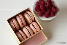 Zumbo's macarons met frambozenvulling