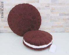 Food pillow - Cookie plush - Decorative cookie pillow OREO pillow - Polyester fleece - handmade in Italy