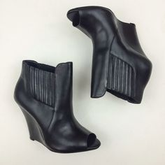 SCHUTZ Deka Wedge Bootie Sz 8 US Pre-owned. In excellent condition- LIKE NEW! Includes original dust bag and box. SCHUTZ Shoes Ankle Boots & Booties