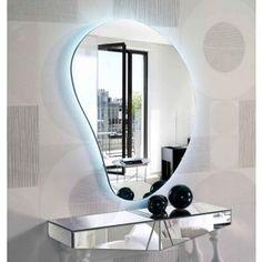 Speil i glass, modell DRÅPE I. Moderne speil med led belysing.  $3,975.00