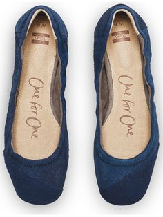 These TOMS Navy Snakeskin Embossed Ballet Flats will be great with jeans or a skirt.