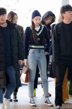 190201 ICN Departure (to Philippines) Fashion Idol, Blackpink Fashion, Indie Fashion, Fashion Outfits, Kim Jennie, Kpop Outfits, Mode Outfits, Casual Outfits, Korean Airport Fashion