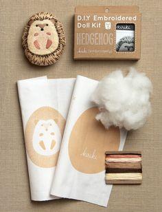 Kiriki Little Animal Embroidery Kits Kids Craft Box, Craft Kits, Diy Kits, Easy Preschool Crafts, Diy And Crafts, Crafts For Kids, Embroidery Kits, Embroidery Designs, Purl Bee