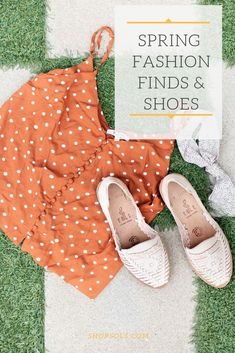 The Cutest spring fashion leather sandals to match any outfit any day. Women's Flats, Huaraches, Leather Sandals, Amazing Women, Outfit Of The Day, Spring Fashion, Cool Outfits, Hand Weaving, Artisan