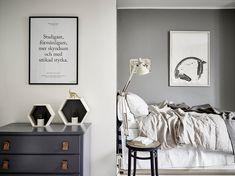 A scandinavian studio flat with smart space saving ideas - ITALIANBARK - bedroom corner