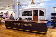 New vineyard vines store in massachusetts is pure perfection