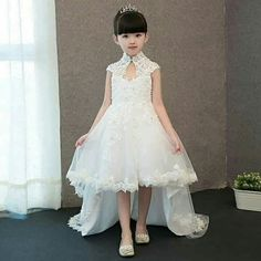 Kids Frocks, Frocks For Girls, Gowns For Girls, Dresses Kids Girl, Kids Outfits, Nice Dresses, Prom Dresses, Dress Anak, Pink Flower Girl Dresses