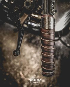 Cow Leather Roll & Lock Grips Handcraft by Zeus Custom. #grips ##motorcycle #leather #handcraft #caferacer #brat #bobber #scrambler #custom #zeuscustom