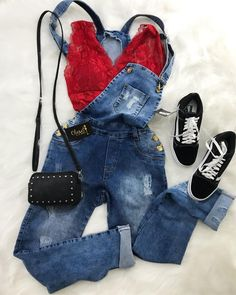 Sexy Red Bustier with Denim Overall Outfit Sexy rote Bustier mit Jeans-Overall-Outfit Tumblr Outfits, Hipster Outfits, Teen Fashion Outfits, Cute Casual Outfits, Stylish Outfits, Girl Outfits, Womens Fashion, Fashion Dresses, Style Fashion