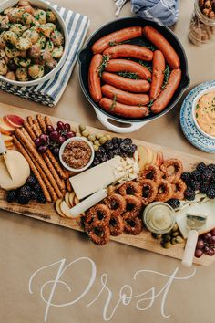Oktoberfest Party Ideas Oktoberfest Party, Oktoberfest Recipes, Fall Harvest Party, Fall Bonfire Party, Paella, Beer Tasting Parties, Mezze, Planning Menu, Dinner Party Menu