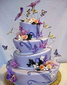 Amazing Cakes, Let's start with butterfly cakes! Gorgeous Cakes, Pretty Cakes, Cute Cakes, Amazing Cakes, Dead Gorgeous, Crazy Cakes, Fancy Cakes, Butterfly Wedding Cake, Butterfly Cakes