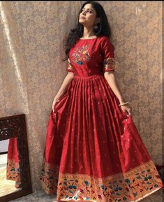 Party Wear Indian Dresses, Indian Fashion Dresses, Dress Indian Style, Indian Designer Outfits, Girls Fashion Clothes, Indian Gowns Dresses, Designer Dresses, Fancy Dress Design, Girls Frock Design