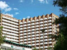 Hotel Dacia Baile Herculane este situat in parcul Vicol, langa Hotel Domogled Baile Herculane si Hotel Diana Baile Herculane si are cea mai mare capacitate de cazare din statiune, cu 15 etaje + parter, 5 lifturi, cu baza de tratament, cu o capacitate mare de tratament, restaurant si gradina de vara.  Hotel Dacia Baile Herculane este un hotel clasificat la doua stele dar are camere si de trei stele. Multi Story Building, Engineering, Clouds, Travel, Park, Viajes, Destinations, Traveling, Trips