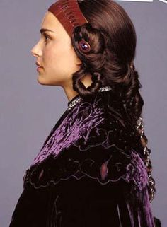 Padme Amidala... hair (look at the details)... I'd love to wear a version of this, but looser
