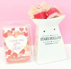 Lit-Cube has a new subscription box - Stars Hollow Scent of the Month Club!