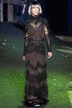 Marc Jacobs Spring 2014 Ready-to-Wear Fashion Show Collection All Fashion, Runway Fashion, Spring Fashion, Review Fashion, Fashion 2014, Fashion Weeks, Marc Jacobs 2014, Victorian Gown, Fashion Show Collection