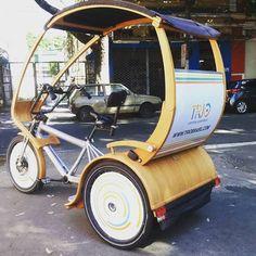 No passeio guiado ciclístico do #tuasturismo #vivagrandetijuca realizado hoje #natijuca como parte do projeto #vivabairro contamos com um triciclo elétrico feito de bambu. #turismorj  #sustentabilidade Isto é #rio2016 e #riocidadeolimpica by marcelospohn http://ift.tt/1WKIRtR