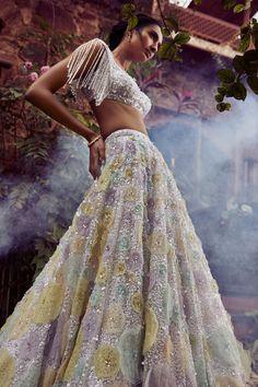 Indian Attire, Indian Wear, Indian Outfits, Indian Clothes, Saree Gown, Lengha Choli, Anarkali, Lehnga Dress, Drape Sarees