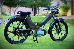 Garage - Build: The Greengo Triumph Motorcycles, Small Motorcycles, Custom Motorcycles, Puch Moped, Moped Bike, Bicycle, Motor Scooters, Vespa Scooters, Vespa Vintage