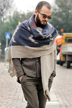 MONSIEUR JEROME PITTI UOMO: TREND REPORT: SCARFS