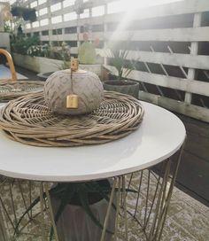 """Gefällt 726 Mal, 60 Kommentare - Home of klamottina (@klamottina) auf Instagram: """"Werbung wegen Accountverlinkung . Eine Ecke des Balkons ist heute schon richtig vorzeigbar…"""" Table, Furniture, Instagram, Home Decor, Advertising, Tables, Home Furnishings, Interior Design, Home Interiors"""