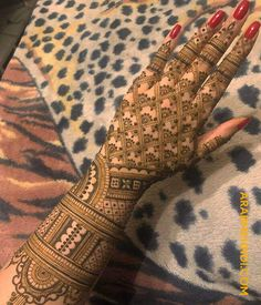 Best Beautiful Front and Back Hand Mehndi Designs For Bridal!