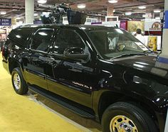 SUV mounting a Minigun... I want it