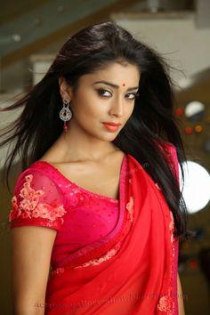 Actress Gallery: Shriya saran saree photo collections