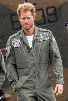 31 looks good on Prince Harry! The royal rang in his birthday with some super sexy new facial scruff.