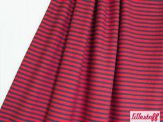lillestoff » Ringeljersey, rot/nachtblau « // hier erhältlich: http://www.lillestoff.com/ringeljersey/ringeljersey-rotnachtblau.html