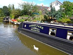 Example of a more contemporary style of lettering with 3D effect. This photo has been taken from www.thefitoutpontoon.co.uk your resource and directory for canal boat buying, planning & building