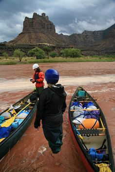Green River, UT via Ashley Wise - would love to go back to Utah, and do some kayaking...