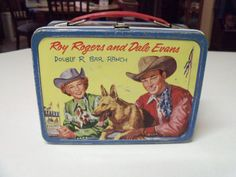 """""""Vintage Roy Rogers Dale Evans Canadian Issue Lunch Box"""" I had a Roy Rogers lunch box, but it was different than this one. Lunch Box Thermos, Vintage Lunch Boxes, Cool Lunch Boxes, Metal Lunch Box, Bento Box Lunch, Vintage Tins, Dale Evans, School Lunch Box, School Days"""