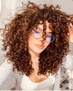 Want to wake up with curls but can't decide between spiral perm vs regular perm? We're telling you everything you need to know about spiral perm hairstyles! Curly Hair Styles, Curly Hair Care, Curly Wigs, Short Curly Hair, Wavy Hair, Natural Hair Styles, Short Afro, Perm Hair, Medium Curly