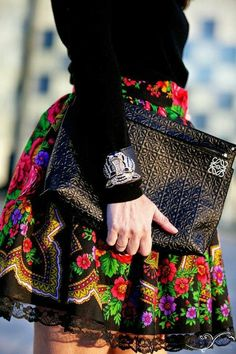 Zaitegui y HunterChic by Marta/ black with colorful skirt Fashion Mode, Boho Fashion, Girl Fashion, Fashion Outfits, Womens Fashion, Fashion Design, Fashion Trends, Mexican Outfit, Mexican Dresses