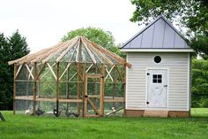 Love this chicken coop and aviary.