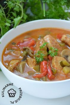 Strogonow drobiowy - KulinarnePrzeboje.pl Calzone, Aga, Kitchen Recipes, Thai Red Curry, Grilling, Food And Drink, Favorite Recipes, Healthy Recipes, Cooking